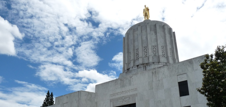Oregon bill would allow 2- and 4-year public college mergers